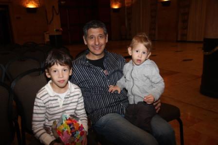 גלרייה - מסיבת חנוכה לילדי הבורסה (דימול) 6.12.2010 תמונה 7 מתוך 63
