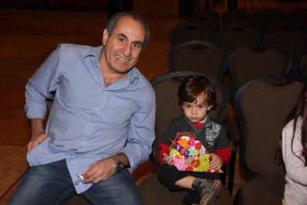 גלרייה - מסיבת חנוכה לילדי הבורסה (דימול) 6.12.2010 תמונה 9 מתוך 63