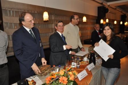 גלרייה - טקס סיום קורס 30 חברים חדשים 14.12.2010 תמונה 35 מתוך 58