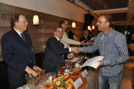 גלרייה - טקס סיום קורס 30 חברים חדשים 14.12.2010 תמונה 37 מתוך 58