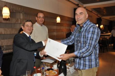 גלרייה - טקס סיום קורס 30 חברים חדשים 14.12.2010 תמונה 42 מתוך 58