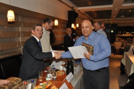 גלרייה - טקס סיום קורס 30 חברים חדשים 14.12.2010 תמונה 48 מתוך 58