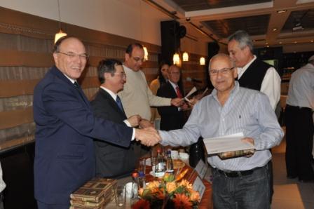 גלרייה - טקס סיום קורס 30 חברים חדשים 14.12.2010 תמונה 53 מתוך 58