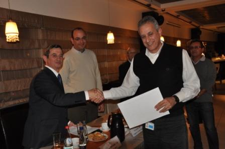גלרייה - טקס סיום קורס 30 חברים חדשים 14.12.2010 תמונה 54 מתוך 58