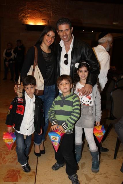 גלרייה - מסיבת חנוכה בורסת היהלומים 22.12.2011 תמונה 13 מתוך 93