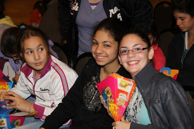 גלרייה - מסיבת חנוכה בורסת היהלומים 22.12.2011 תמונה 15 מתוך 93