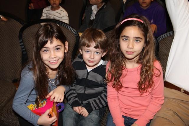 גלרייה - מסיבת חנוכה בורסת היהלומים 22.12.2011 תמונה 17 מתוך 93