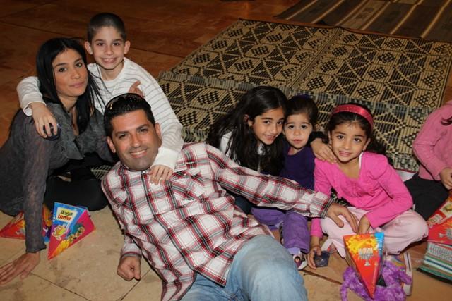 גלרייה - מסיבת חנוכה בורסת היהלומים 22.12.2011 תמונה 35 מתוך 93