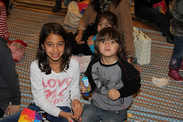 גלרייה - מסיבת חנוכה בורסת היהלומים 22.12.2011 תמונה 40 מתוך 93