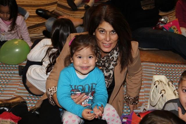 גלרייה - מסיבת חנוכה בורסת היהלומים 22.12.2011 תמונה 45 מתוך 93