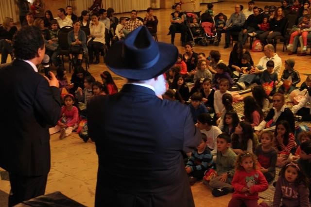 גלרייה - מסיבת חנוכה בורסת היהלומים 22.12.2011 תמונה 54 מתוך 93