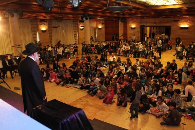 גלרייה - מסיבת חנוכה בורסת היהלומים 22.12.2011 תמונה 55 מתוך 93