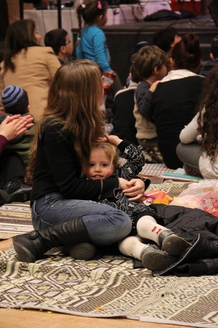 גלרייה - מסיבת חנוכה בורסת היהלומים 22.12.2011 תמונה 77 מתוך 93