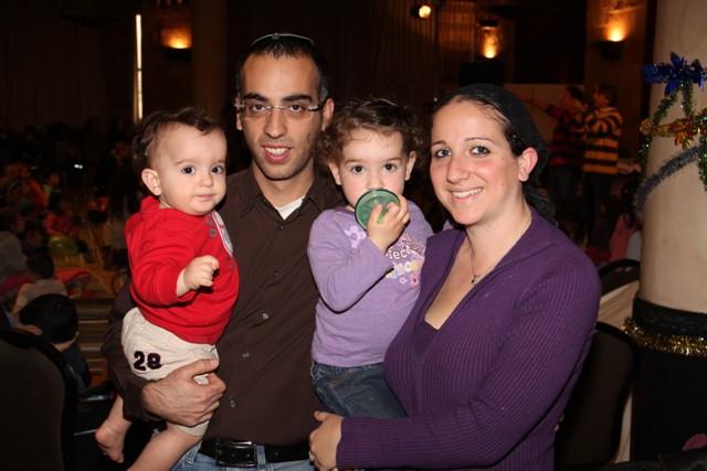 גלרייה - מסיבת חנוכה בורסת היהלומים 22.12.2011 תמונה 90 מתוך 93