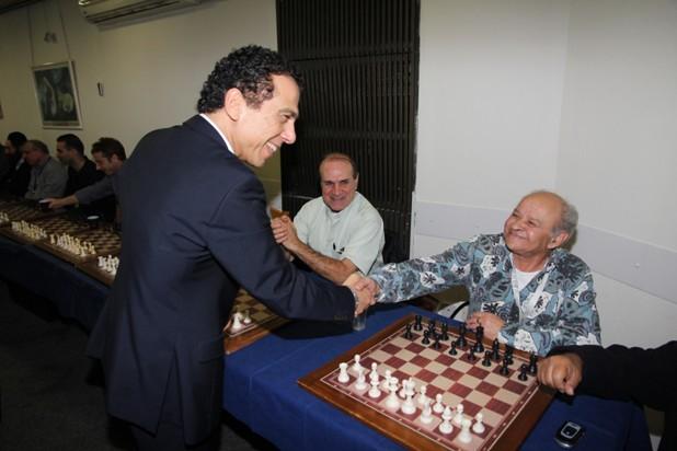 גלרייה - טורניר השחמט 24-26.12.2012 תמונה 10 מתוך 22