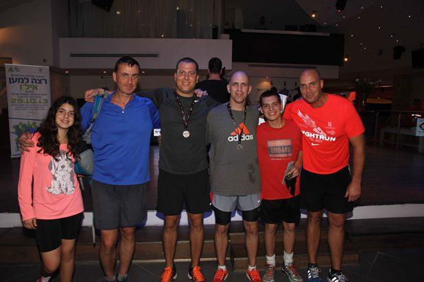 גלרייה - מרוץ הלילה של נייקי 29.10.2013 תמונה 33 מתוך 41