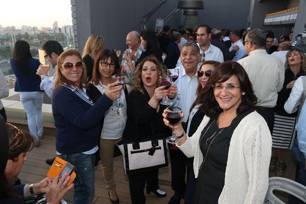 גלרייה - קבלת פנים חגיגית למשתתפי שבוע היהלומים במלון אינדיגו 9.4.2014 תמונה 3 מתוך 77