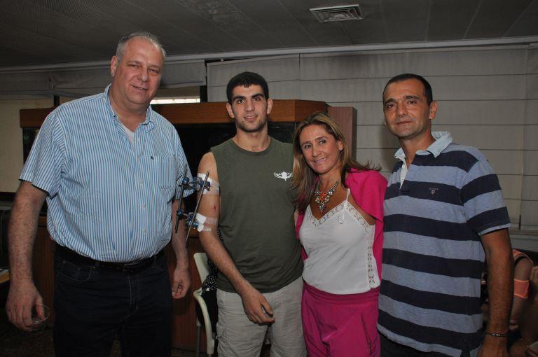 גלרייה - ביקור חיילים במחלקת השיקום שיבא תל השומר 27.8.2014 תמונה 4 מתוך 11