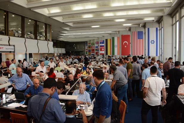 גלרייה - היום הראשון של שבוע היהלומים הבינלאומי (המשלחת מתורכיה) 30.8.15 תמונה 8 מתוך 19