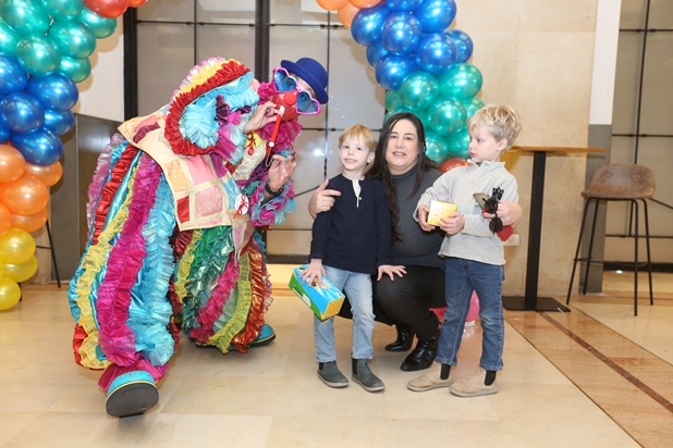 גלרייה - מסיבת חנוכה לילדי הבורסה 15.12.2017 תמונה 2 מתוך 37