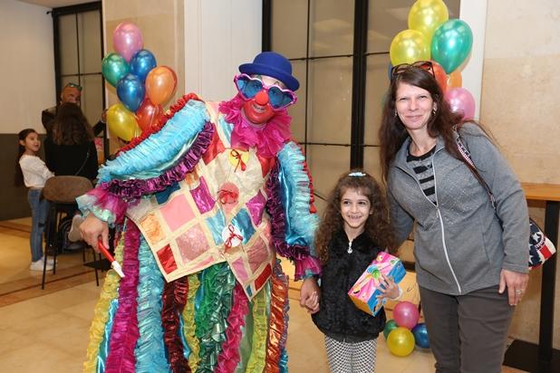 גלרייה - מסיבת חנוכה לילדי הבורסה 15.12.2017 תמונה 8 מתוך 37