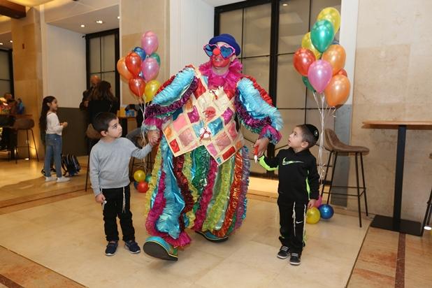 גלרייה - מסיבת חנוכה לילדי הבורסה 15.12.2017 תמונה 11 מתוך 37