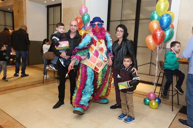 גלרייה - מסיבת חנוכה לילדי הבורסה 15.12.2017 תמונה 13 מתוך 37