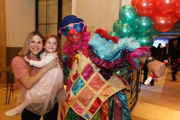 גלרייה - מסיבת חנוכה לילדי הבורסה 15.12.2017 תמונה 17 מתוך 37