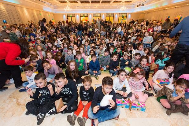 גלרייה - מסיבת חנוכה לילדי הבורסה 15.12.2017 תמונה 23 מתוך 37