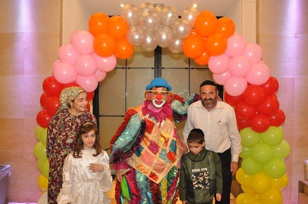 גלרייה - מסיבת פורים לילדי הבורסה 22.3.2019 תמונה 10 מתוך 114