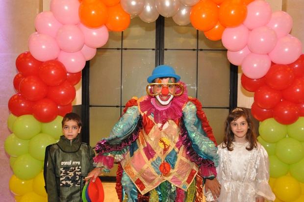 גלרייה - מסיבת פורים לילדי הבורסה 22.3.2019 תמונה 12 מתוך 114