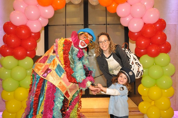 גלרייה - מסיבת פורים לילדי הבורסה 22.3.2019 תמונה 83 מתוך 114