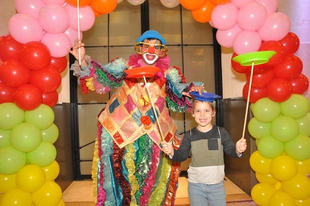 גלרייה - מסיבת פורים לילדי הבורסה 22.3.2019 תמונה 30 מתוך 114