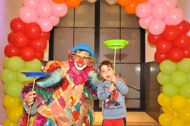 גלרייה - מסיבת פורים לילדי הבורסה 22.3.2019 תמונה 32 מתוך 114