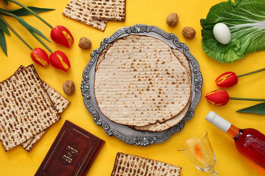 תרומת מצרכי מזון עבור ניצולי שואה נזקקים לחג הפסח